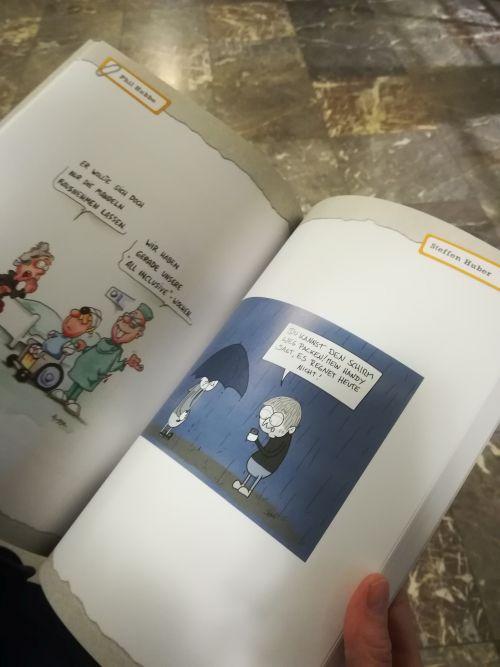 Der Ausstellungskatalog zum Karikaturenpreis 2017