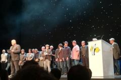 Alle Künstler der Ausstellung auf der Bühne